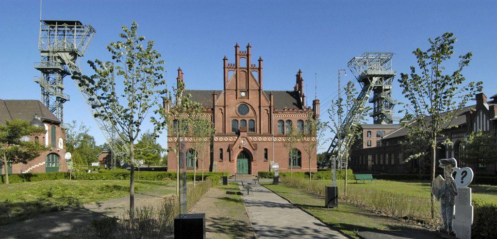 دیدنی های بوخوم آلمان و معرفی آنها - با دیدنی های بوخوم آشنا شویم - موزه ی معدن آلمان | دیدنی های بوخوم - رودخانه ی روور | دیدنی های بوخوم - موزه ی Lwl Industrial | دیدنی های بوخوم - دریاچه ی کمنادر | دیدنی های بوخوم - دانشگاه رور بوخوم | دیدنی های بوخوم - پارک ها و باغ ها | دیدنی های بوخوم - رستوران ها و هتل ها | دیدنی های بوخوم -